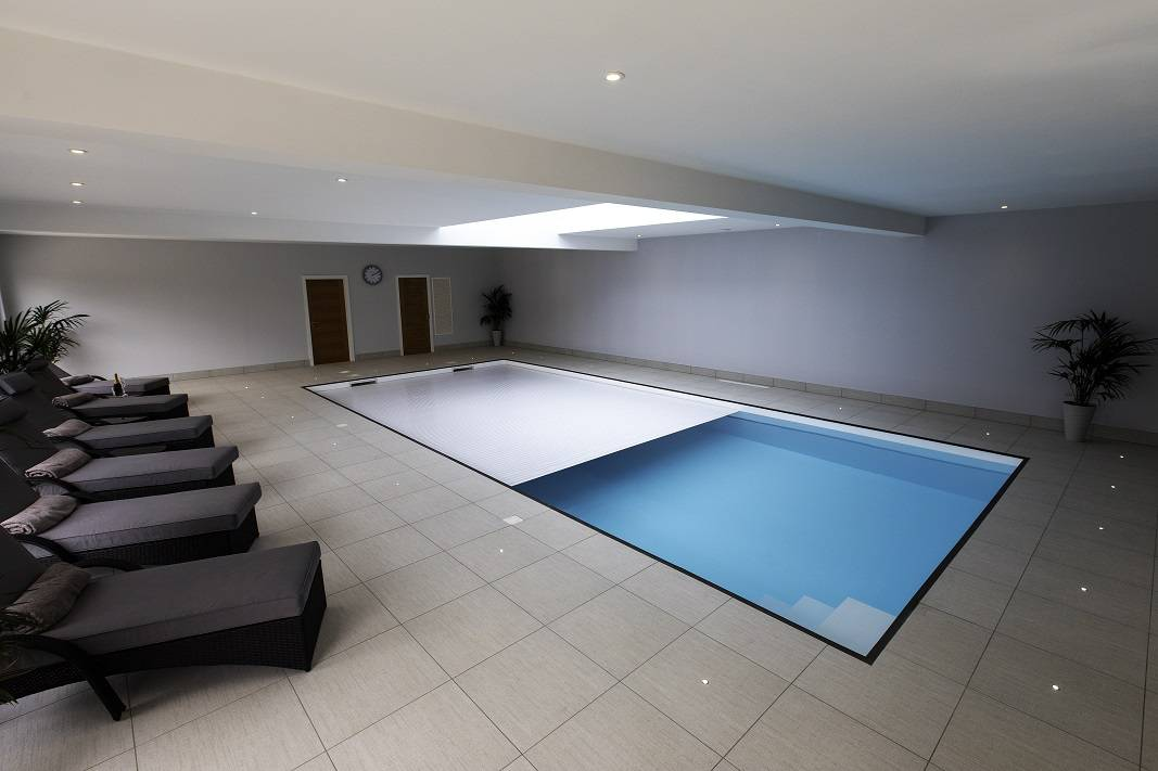 Indoor poolcover