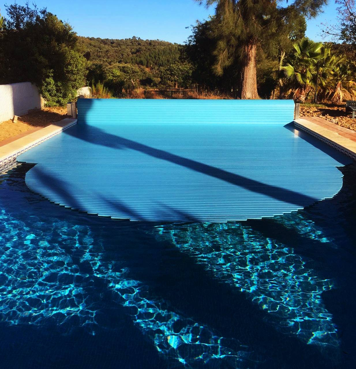 Opening pool cover