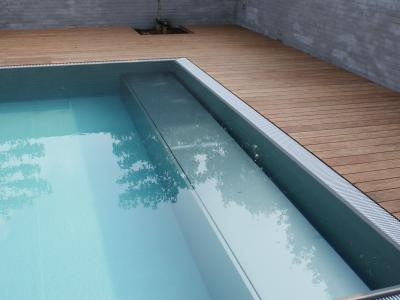 Hidden pool cover: Underwater bench